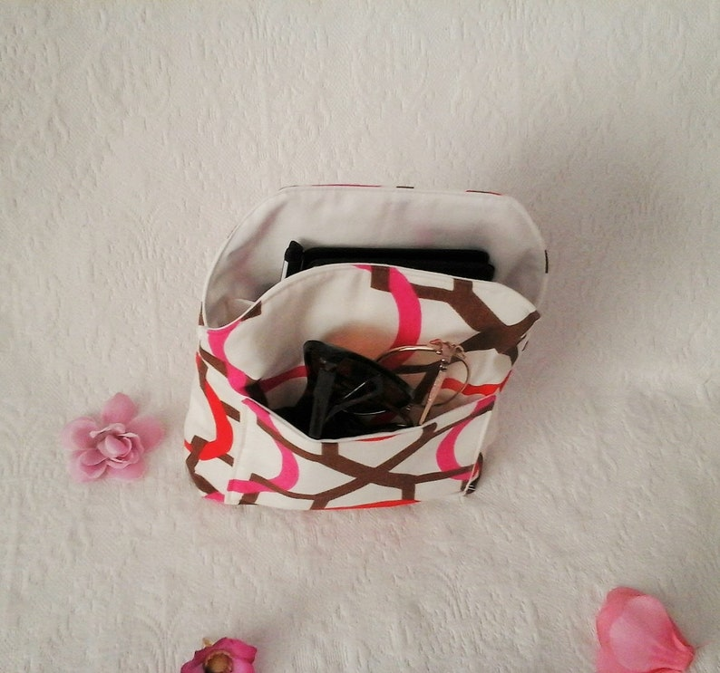 compact Small rounded bag organizer insert light weight.