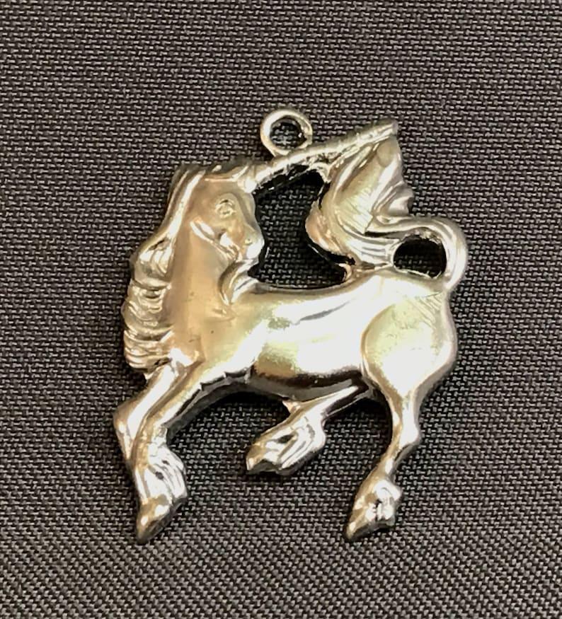 BULK 20 Unicorn charms antique silver tone A638