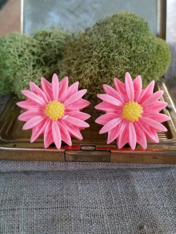 Charming Chrysanthemum Flower Single Flared Ear Plug Black Sold as a Pair