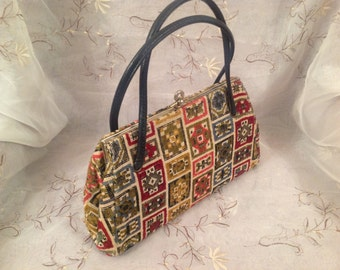 Vintage tapestry pocketbook purse chic preppy old stylish fashionable wear