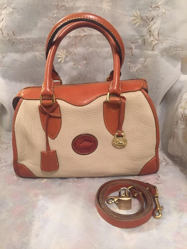 c0f29bfdae47 Vintage Dooney Bourke Gladstone Handbag Classic Fashion Style
