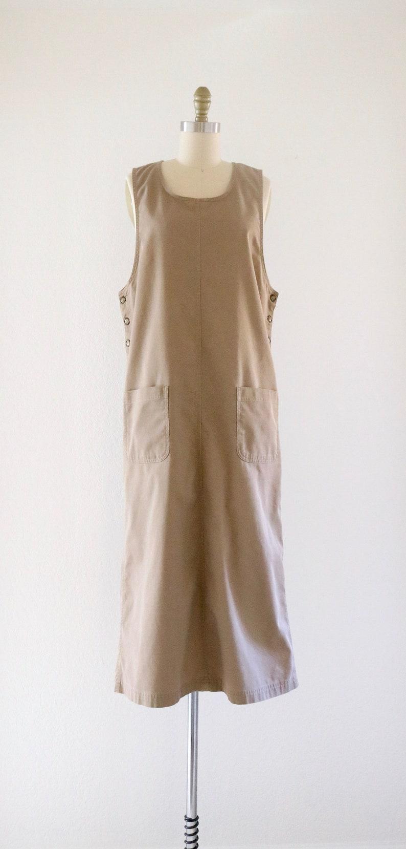 beige twill dress m