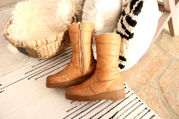 golden leather sherpa lined boots - 7