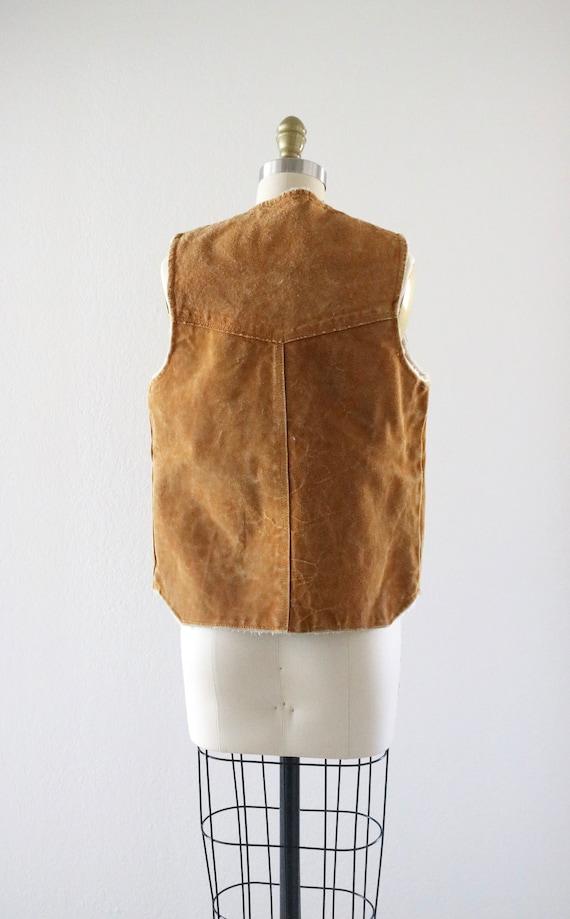 1970's suede sherpa vest - image 5