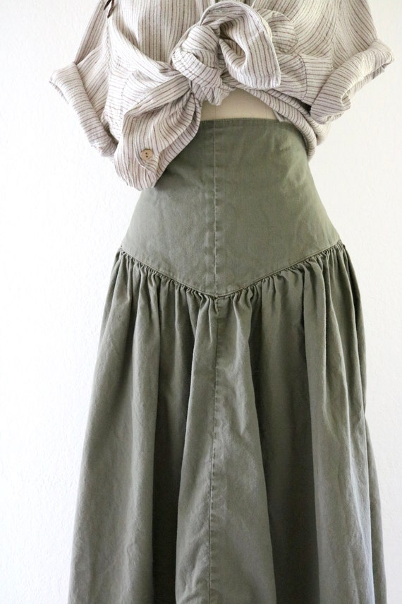 high waisted skirt - 25 - image 3