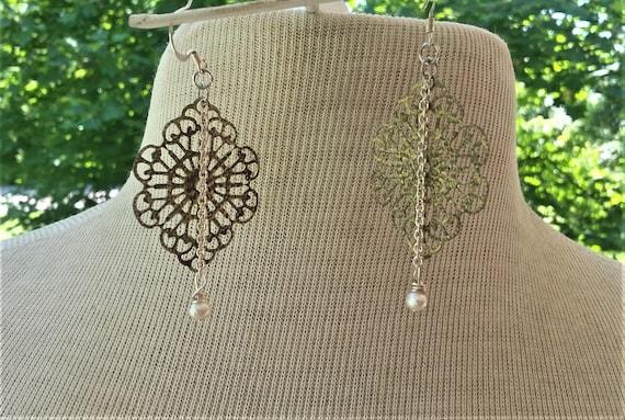 Dainty Pearls Filigree Earrings