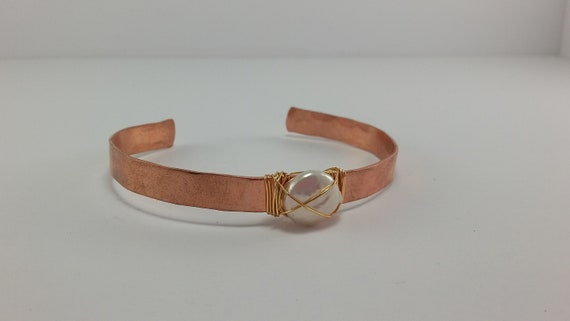 Dainty Cuff with Freshwater Pearl