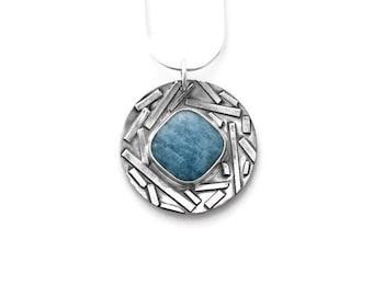 Raw Aquamarine Pendant Necklace, March Birthstone, Aquamarine Necklace, Aquamarine Jewelry,Pisces Jewelry,March Jewelry, Birthstone Necklace