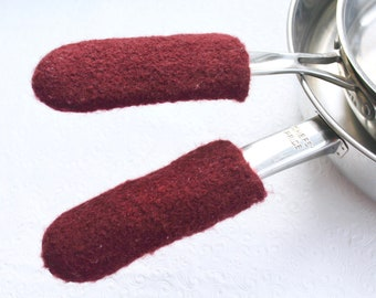 Cranberry Red Wool Knit Felted Pot Handle Covers, Cast Iron Skillet Handle Cover, Skillet Handle Holder, Griddle Pan Handle, Pot Sleeve