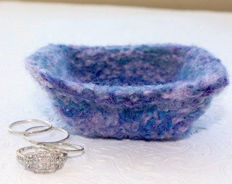 Wool Felt Ring Bowl,  Lavender and Blue Mini Wool Ring Bowl,  Blue Ring Bowl, Small Knit Ring Bowl, Purple Felt Wool Bowl, Purple Ring Bowl