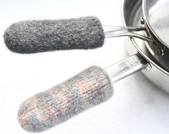 Set Camel Gray Wool Knit Felted Pot Handle Cover, Cast Iron Skillet Handle Cover, Skillet Handle Sleeve, Griddle Pan Handle Cover, Hostess