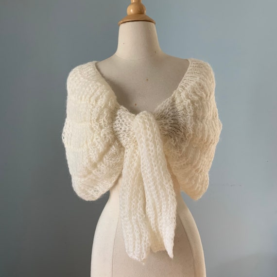 Vintage 60s mohair sweater shawl / Ivory sweater w