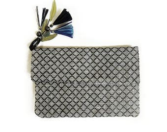 31357e18cb0 Raffia Tassel Clutch Purse Bag, Black and White Clutch, Boho Raffia Clutch,  Beach Fashion