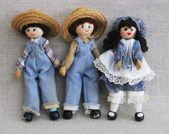 Vintage Dolls, Folk Art Clothes Pin Dolls, Collection of 3 Rustic Cabin and Farmhouse Decor