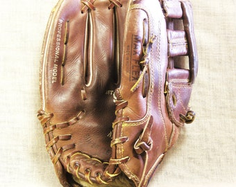 Vintage Baseball Mitt, Adult Size, Mizuno, Sport Gear, Baseball, Sporting Goods, Leather, Equipment, Ball Games, Brown Leather