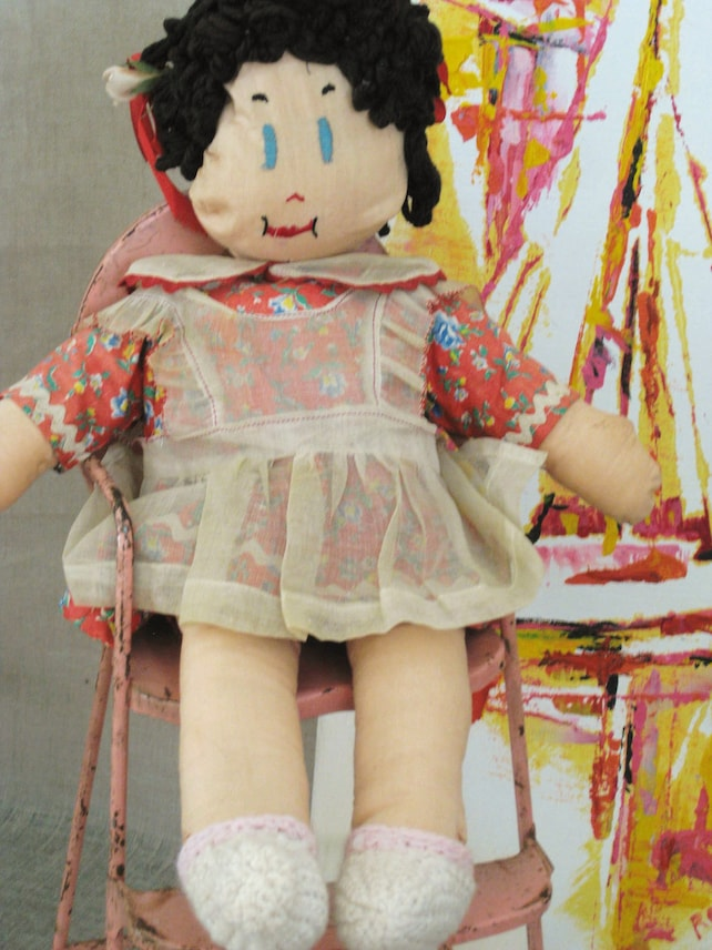 Age dating madeira cloth dolls