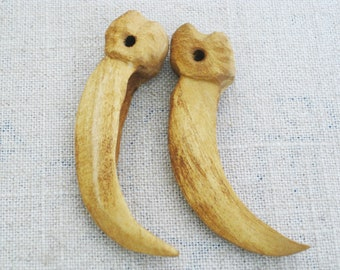 Vintage Talon, Folk Art Carving, Necklace Pendent