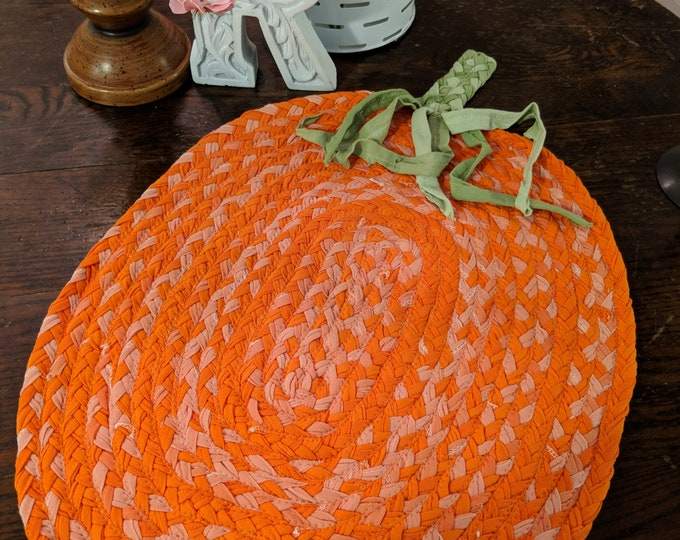 "22""x 18 pumpkin cotton braided rug"