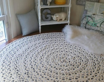 Gray braided rug with white 60""