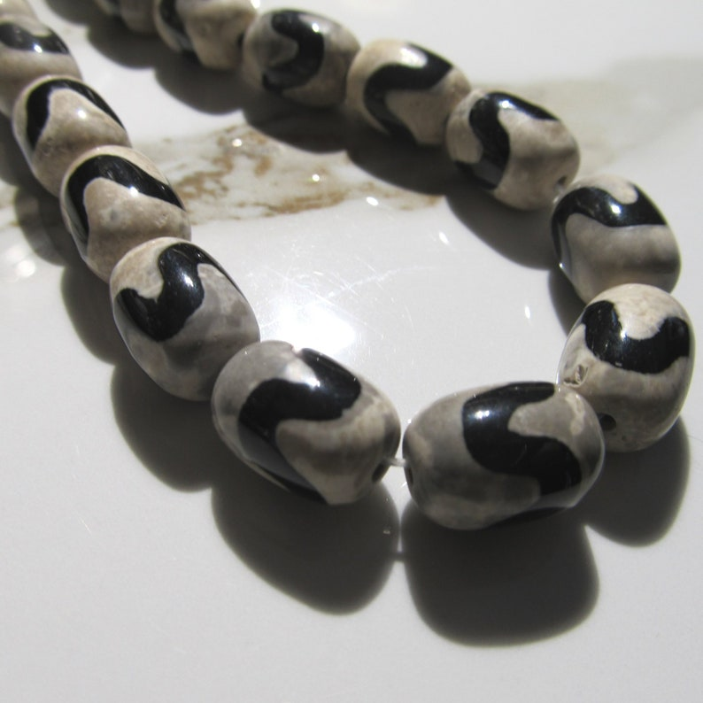 Agate Beads 14 x 10mm Natural Tribal Marked Black Multi Gray image 0