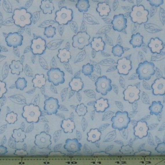 Heartland by Studio e fabric/'s Floral print 100/% Cotton fabric by the 1//2 yrd.