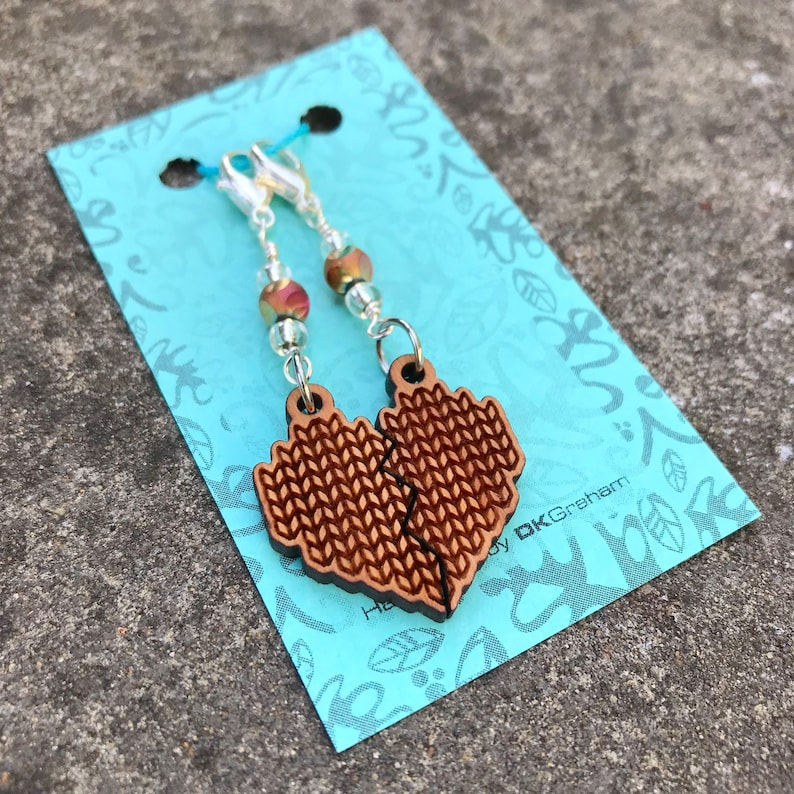 Knit Yarn Friendship Heart Charms Stitchmarker with Rainbow image 0