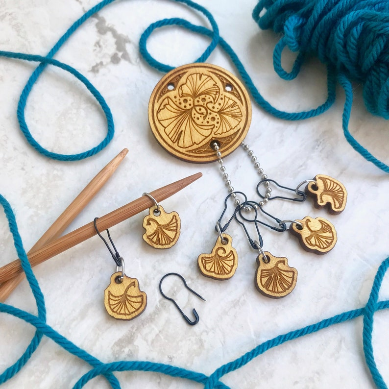 Gingko Leaves  StitchMINDERs Pin and stitch marker set of image 0