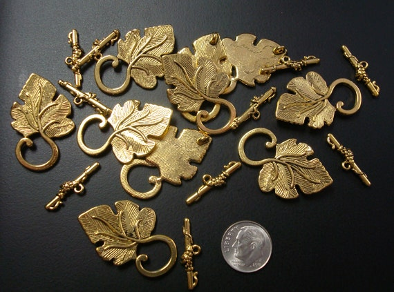 10 Antique Brass Plated Grape Leaf Toggle Clasps Findings