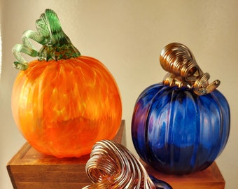 Blown Glass Pumpkin ~ Bewitching Peddlers ~ Fall ~ Halloween