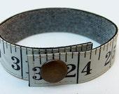 Measuring tape bracelet -...