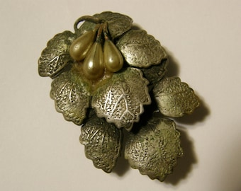 Vintage 1930's dress clip - silver leaves and pearls