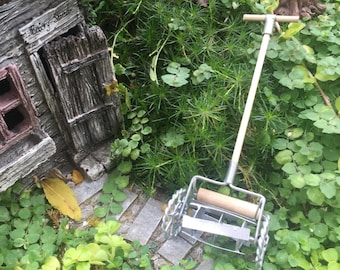 Miniature Old Fashioned Lawn Mower, Dollhouse Miniature, 1:12 Scale, Accessory, Garden Decor, Miniature Garden Accessory