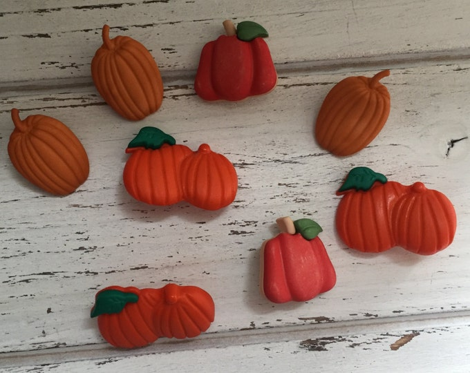 """Pumpkin Buttons, Packaged Novelty Buttons by Buttons Galore, """"Pumpkin Patch"""" Style 4620 Autumn Collection, Sewing, Crafting, Embellishments"""