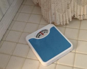 Miniature Bathroom Scale, Mini Blue Scale, Dollhouse Miniature, 1:12 Scale, Dollhouse Accessory, Decor, Bath Decoration