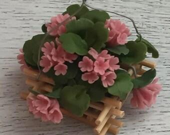 Miniature Pink Geranium in Wood Hanging Basket, Dollhouse Flowers, Dollhouse Miniature, 1:12 Scale, Mini Flowers, Pink Flowers, Geraniums