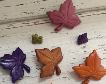 """Leaf Buttons, Packaged Novelty Buttons by Buttons Galore, """"Autumn Leaves"""" Style 4619, Assorted Sizes and Colors"""