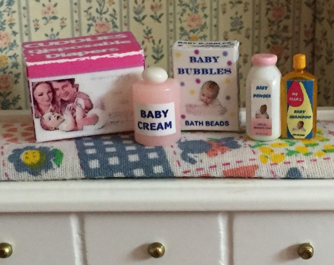 Miniature Baby Products Set, Pink Theme, Dollhouse Miniatures, 1:12 Scale, Dollhouse Accessories, Diaper Box, Shampoo, Powder, Bath Bubbles