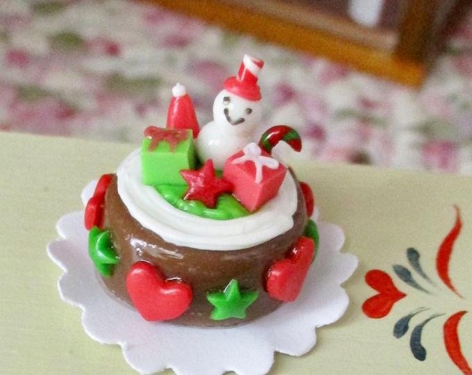 Miniature Cake, Mini Decorated Christmas Cake On Paper Doily, Style #01, Dollhouse Miniature, 1:12 Scale, Dollhouse Holiday Decor, Mini Food