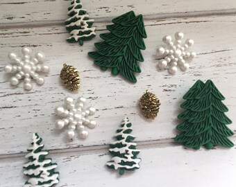 """Christmas Buttons, Packaged Novelty Buttons by Buttons Galore, """"Woodland Forest"""" Style 4775, Includes Tree, Snowflakes and Pinecones"""