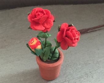 Miniature Red Roses, Roses in Clay Flower Pot, Dollhouse Miniatures, 1:12 Scale, Mini Flowers, Roses in Flower Pot