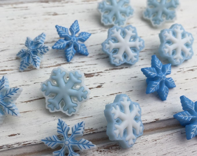 """Blue & White Snowflake Buttons, Packaged Novelty Button Assortment Pack """"I Love Snow"""" by Buttons Galore, Style 4794, Shank Back Buttons"""