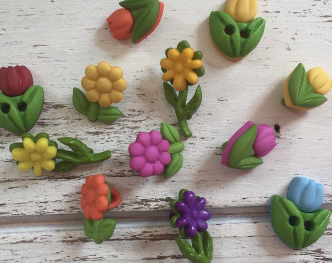 """Flower Buttons, Packaged Novelty Button Assortment """"Lil Blooms"""" by Buttons Galore, Style 4255, Daisy and Tulip Buttons, Sewing, Crafting"""