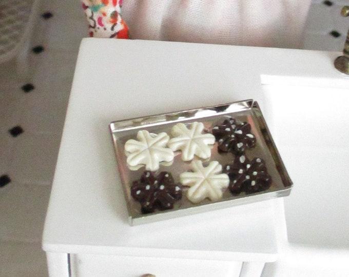 Miniature Snowflake Cookies on Tray, Dollhouse Miniature, 1:12 Scale, Dollhouse Accessory, Miniature Food, Holiday Decor, Mini Cookies