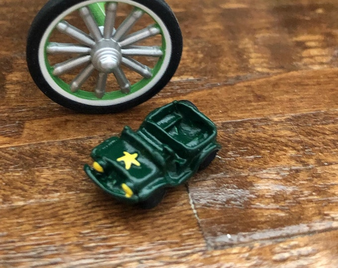 Miniature Toy Jeep, Mini Green Jeep With Yellow Star, Dollhouse Miniature, 1:12 Scale, Dollhouse Accessory, Decor, Crafts