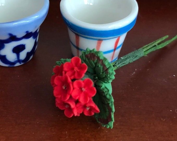 Miniature Geranium, Single Geranium With Leaves Stem, Dollhouse Miniature, 1:12 Scale, Home and Garden Decor, Mini Floral, Crafts