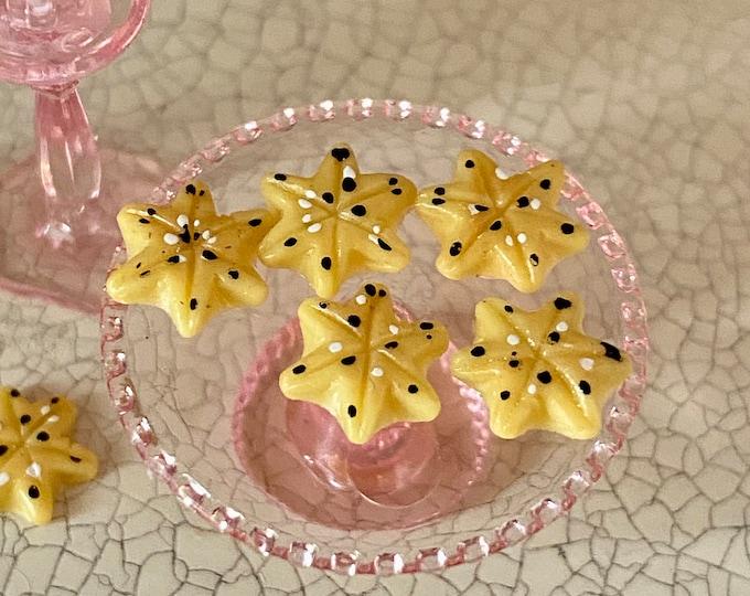 Miniature Cookies, Sugar Star Shaped Mini Cookies, 6 Piece Set, Dollhouse Miniature, 1:12 Scale, Miniature Food, Dollhouse Accessory, Decor