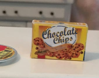 Miniature Chocolate Chip Cookies Box, Dollhouse Miniature, 1:12 Scale, Dollhouse Accessory, Mini Food, Kitchen Decor