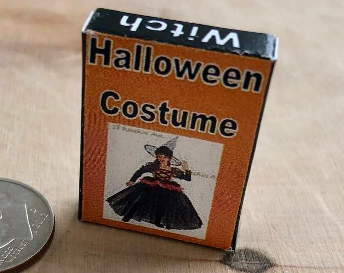 Miniature Witch Costume Box, Mini Halloween Costume Box, Dollhouse Miniature, 1:12 Scale, Mini Holiday Decor, Dollhouse Accessory