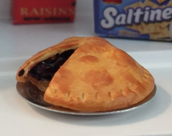 Miniature Cherry Pie With Slice Missing, Dollhouse Miniature Food, 1:12 Scale, Mini Food, Play Food, Pie in Pan, Dollhouse Accessory
