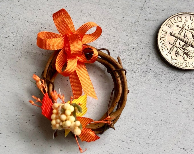 Miniature Fall Wreath, Decorated Grapevine Wreath, Fall Colors and Silk Ribbon Bow, Dollhouse Miniature, 1:12 Scale, Dollhouse Fall Decor